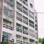 2 ambientes a la calle, pleno centro, cochera – San Juan 2380