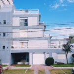 2 AMB Y MEDIO en duplex, doble vista al mar, cochera cub. terrazas.